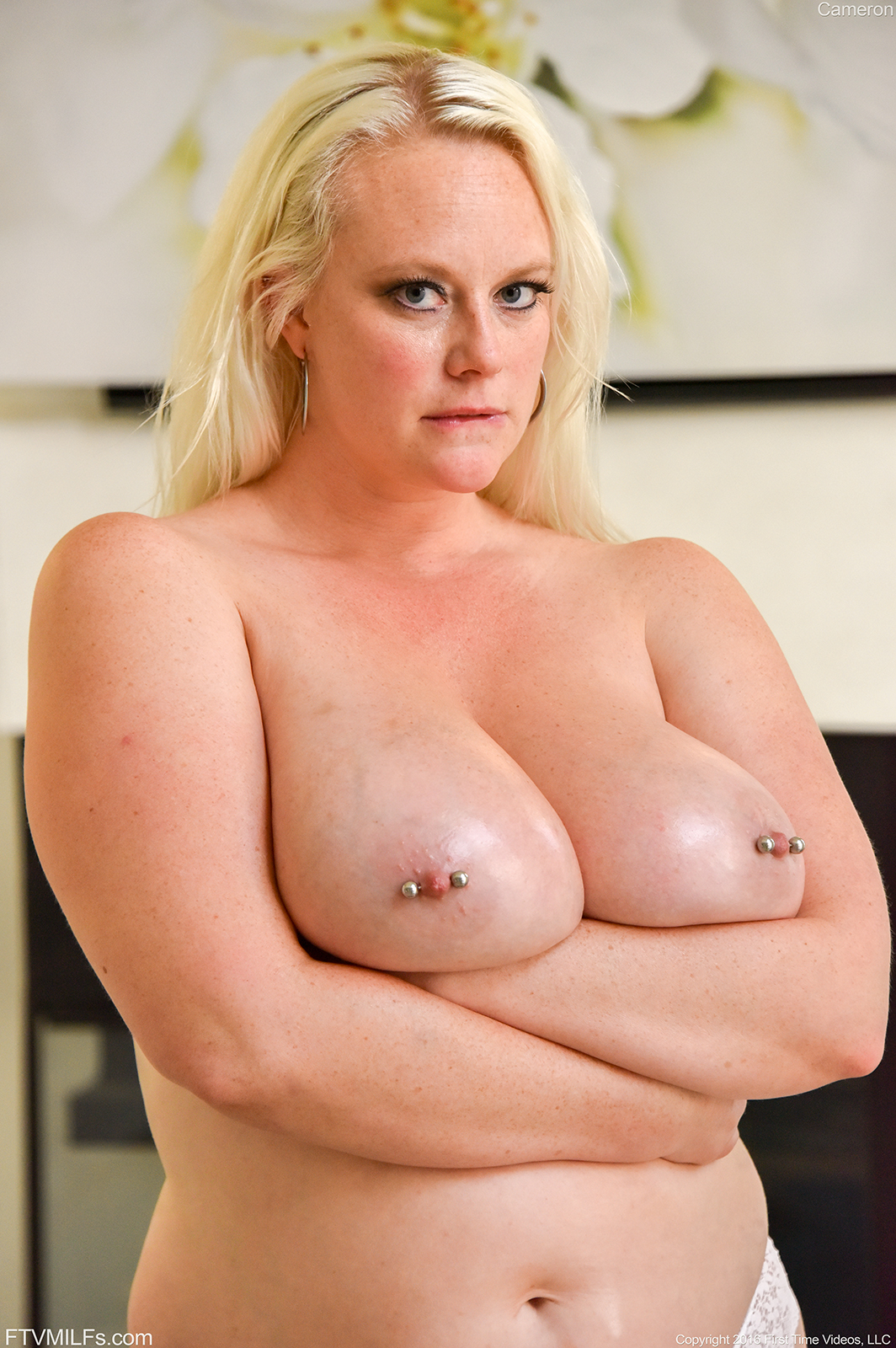 nude middle age cunt