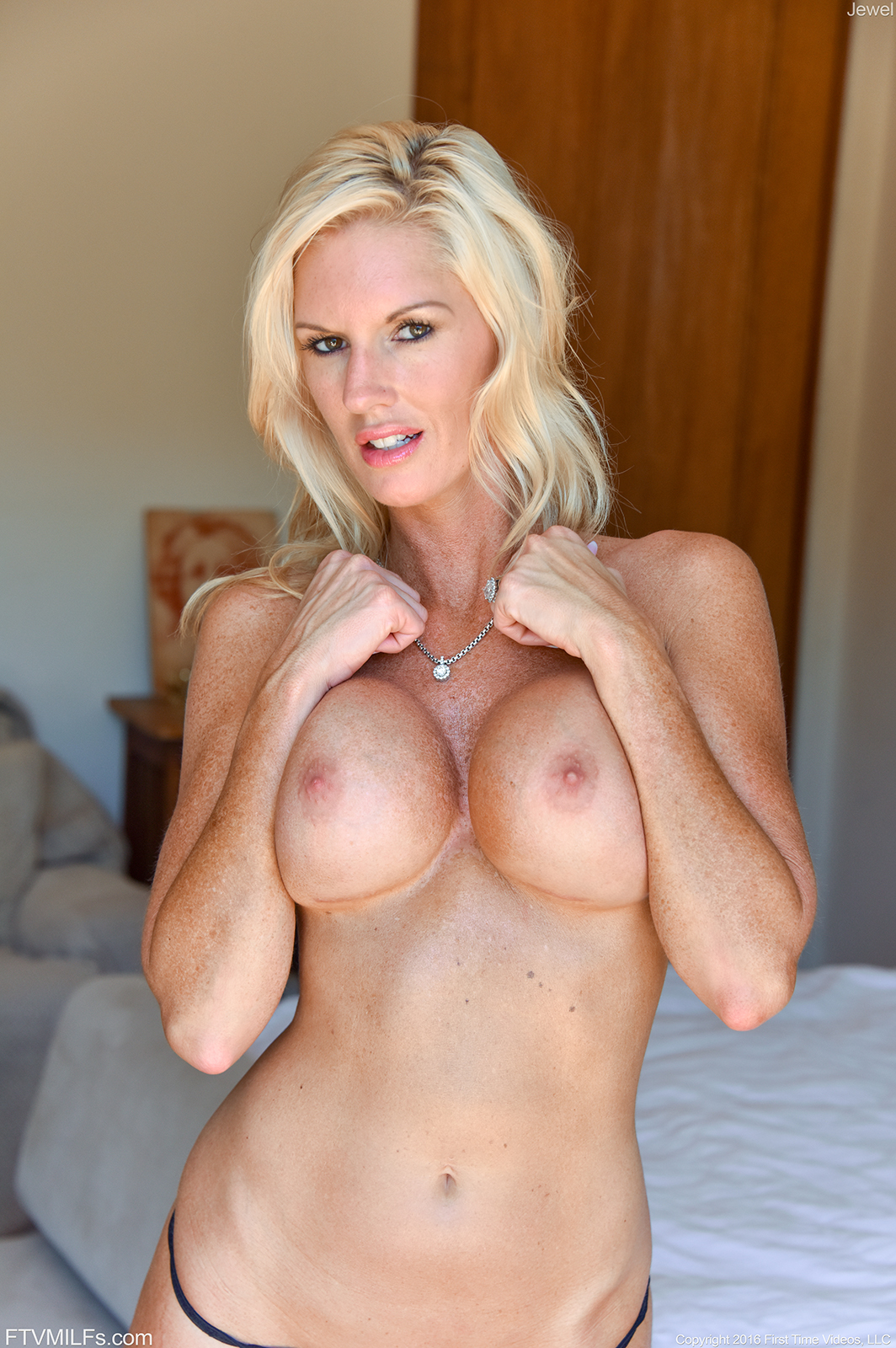 Cougar head 33 busty worldclass older argentina - 2 5